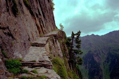mountain-path-1119909_1280